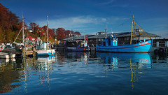 """""""Mwe"""" And Other Boats (Dietrich Bojko Photographie) Tags: d50 germany deutschland harbor bravo webinteger balticsea nikond50 rgen ruegen circularpolarizer 18mm sassnitz cokinp121m cokinp164 meklenburgvorpommern gnd4 abigfave fishharbor"""