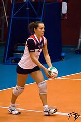ZAVETI (pallavoloromana) Tags: roma italia c volley servizio pallavolo battuta femminile bertelli allvolley arvalia