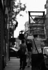Copricapo Urbano (Knrad) Tags: blackandwhite italy torino italia dof piemonte turin biancoenero infrarosso diecicento cokina003 85mmnikkor18 stoscattoindiefinoallultimopixel tramenodiunmesesiparte civoleva cosebuonedalmondo mancoanewyork viavanchiglia corradogiulietti