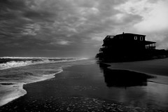 nor'easter (beebo wallace) Tags: ocean blackandwhite bw storm beach clouds nc northcarolina atlantic coastal save10 delete1 outerbanks savedbythedeltemeuncensoredgroup atlanticocean obx nagsheadnc raleighgroup10082006 itsgoodtobebeebo rightnowitisverygood
