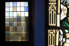 middle... (Biscarotte) Tags: light window diptych lumire 100v10f 10f rouen vitrail normandie diptyque normandy middleages stainedglasswindow moyenge donjon 8f diptruc