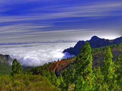 Mar de nubes / Sea of clouds (*atrium09) Tags: travel blue sky espaa paisajes eye nature clouds landscape spain bravo quality topv1111 paisaje canarias olympus cielo nubes tenerife 1000v100f topf150 topf100 hdr topf250 topf200 3way naturesfinest e330 magicdonkey specland specnature 3000v120f atrium09 3waychallenge mywinners abigfave shieldofexcellence anawesomeshot impressedbeauty superaplus aplusphoto flickrchallengegroup flickrchallengewinner bratanesque rubenseabra bppslideshow
