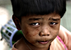 street_children (Edwin_Martinez) Tags: poverty street city portrait urban kids children child philippines pinoy 1on1peoplephotooftheday