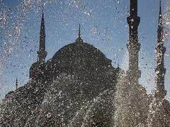 Blue Mosque - Sultanahmet Camii (H e r m e s) Tags: blue black water turkey türkiye istanbul bluemosque sultanahmet
