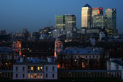 Nightfall on Canary Wharf (Stringendo) Tags: sunset london night nightscape skyscrapers greenwich docklands canarywharf nightfall royalnavalcollege