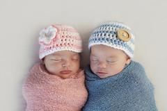 Twin Babies (Jessica_PFP) Tags: babies babyboy babygirl blankets bonnets hats babiesinhats pinkblue pink blue boy girl female male newborn baby napping sleepingbabies