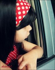 ([  //  QTR) Tags: red cute girl car kid sad little adorable polkadots attractive mshmsh albandri minimousep a7maraniiiipp