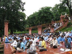 Mahabodhi Temple   mass meditation 4