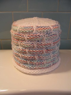 Knitting Pattern For Toilet Paper Holder : Ravelry: Ball Band (ballband) Toilet Paper Cover pattern by hakucho