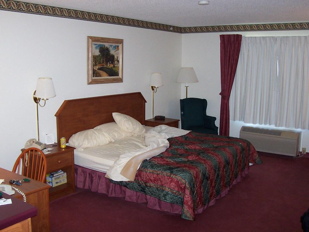 Country Inn & Suites - Woodbury?