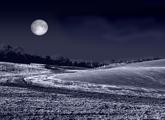 Field on a Winter's Eve (Cliff Michaels) Tags: winter moon field night photoshop lune bravo space satellite craters crater astronomy duotone universe espace solarsystem michaels astronomie helluva univers cratre magicdonkey cratres cliffmichaels abigfave 30010 flickrplatinum superhearts systmesolaire tennpenny photoscliff