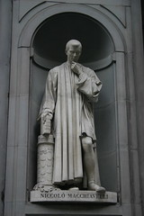 Statue of Niccolò Machiavelli