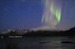 Northern Lights (artic pj) Tags: ocean sea mountain snow water norway tag3 wow tag2 tag1 arctic scandinavia northernlights bigdipper troms nordlys naturalphenomena dubhe sommary specnature auroraboralis karlsvognen abigfave