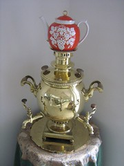 "bahji samovar • <a style=""font-size:0.8em;"" href=""http://www.flickr.com/photos/70272381@N00/297260484/"" target=""_blank"">View on Flickr</a>"