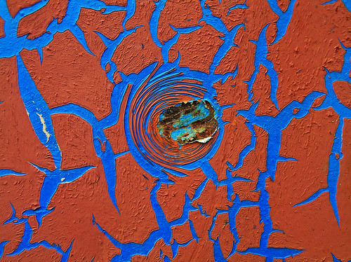 creative commons hi-res photo of the day:  cracked paint (2288 x 1712)