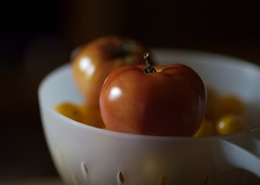 Tomatoes in Colander (Richard-) Tags: canon tomato raw 2006 canoneos5d canonef135mmf2lusm