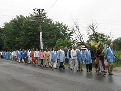 Procession 3   road to Bodh Gaya