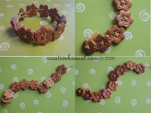 Rustic Copper Flower Button Bracelet par Regina (creative kismet)