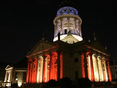 French Cathedral (M Kuhn) Tags: berlin night nacht festivaloflights gendarmenmarkt franzsischerdom frenchcathedral festivaloflights2006