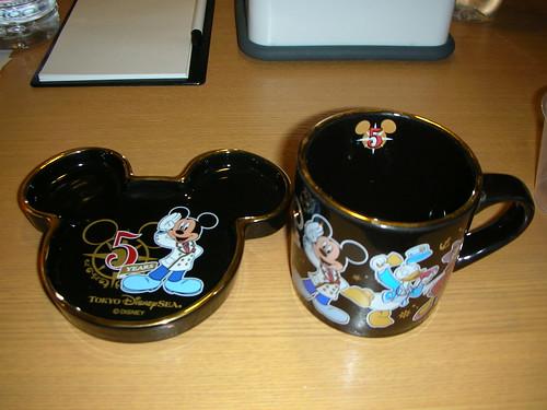 Disney Sea五週年紀念杯子、盤子