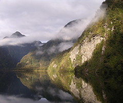 2005-NZ-200-Doubtful Sound (Christ_Lemay) Tags: sunset newzealand mountains nature clouds sunrise reflections ilovenature bravo paisaje sound fjord mybest doubtful urfavsreflection doubtfulsound naturesfinest sunrisesunsets instantfave nouvellezlande 1on1sunrisesunsetsphotooftheday abigfave 5for2 ci33 impressedbeauty superaplus aplusphoto raziks20 superhearts photofaceoffplatinum excellentscenic ultimatemountainshots pfogold flickrclassique