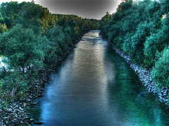 the river Traun (ecker) Tags: trees nature water river linz abend wasser natur fluss bume hdr ebelsberg traun