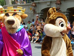 Prince John and Chip... or is it Dale? (Lidwit) Tags: usa st john geotagged magic main kingdom prince disney fav wdw walt