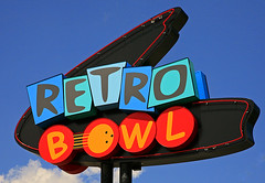 Retro Bowl (FotoEdge) Tags: signs liberty neon balls bowl pins retro missouri strike spare score hardwood snackbar lanes leagues shoerental