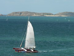 Sailing... (lgp2) Tags: race boat brittany barco bretagne course catamaran bateau corrida voilier stmalo sailship veleiro bretanha lgp2 czembre routedurhum