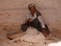 Cave Woman (YoungGoGetter.co.uk) Tags: woman mountain stone corn tunisia atlas cave grind tunisian naitive