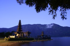 Ulun Danu (Farl) Tags: travel original bali lake color night indonesia temple pagoda long exposure culture tradition pura tiers meru unprocessed bratan ulundanu ulundanubratan