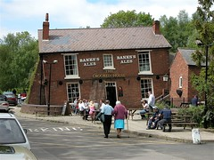 The Crooked House Pub -  Himley - Near Dudley - West Midlands, England. UK (Nala Rewop) Tags: uk england drunk pub dudley crookedhouse himley