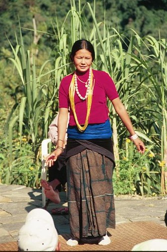 328S-Trek-DancingWoman