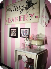 (holiday_jenny) Tags: pink kitchen cake bakery tophat inresidence