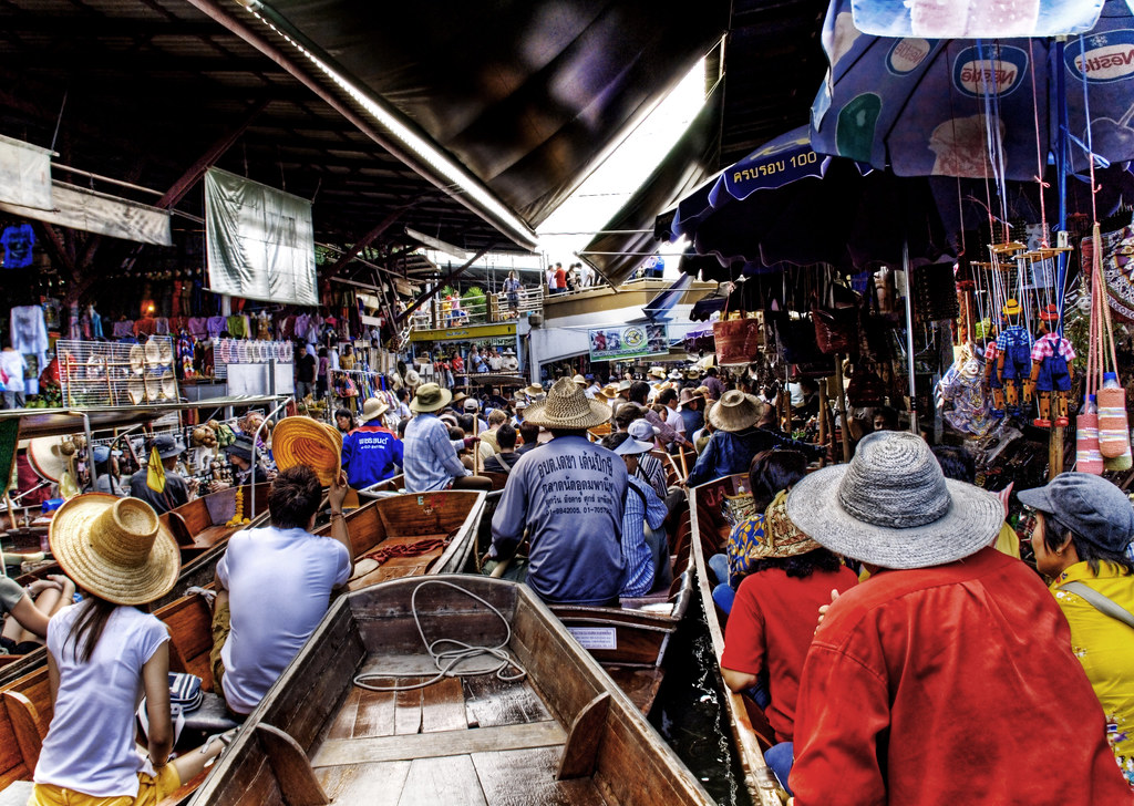 Jam at the Floating Market