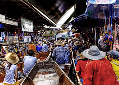 Jam at the Floating Market (Stuck in Customs) Tags: thailand traffic market district floating jam hdr floatingmarket ratchaburi saduak damonen