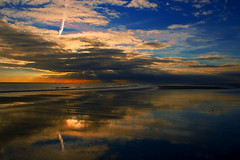 Esta tarde en Punta Umbría (pericoterrades) Tags: ocean atardecer agua bravo searchthebest 2006 atlantic olas orilla atlantico océano puntaumbría pericoterrades outstandingshots specland abigfave marikedada aplusphoto