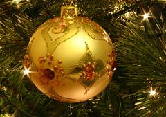 Golden Christmas - by krisdecurtis