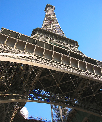Eiffel Tower evacuated over suspect package: operator