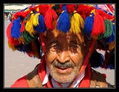 El Aguador - Marrakech - Marruecos (jose_miguel) Tags: portrait espaa man water miguel digital canon spain bravo retrato quality jose ixus morocco maroc marrakech marrakesh 55 marruecos hombre theface thegallery aguador magicdonkey fpg gtaggroup marraquech greatportraits artlibre quediceturostro