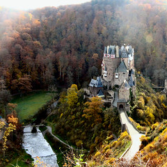 Montaigne (Frizztext) Tags: castle history germany square geotagged interestingness google map wordpress 2006 explore galleries shield isolation past dictionary burg mosel exif montaigne rheinlandpfalz blastfromthepast eltz 500x500 supershot 100faves 2006119 frizztext splendidisolation micheldemontaigne 20061109 holidaysvacanzeurlaub 400faves travelerphotos thatsclassy top20germany photoexplore worldtrekker