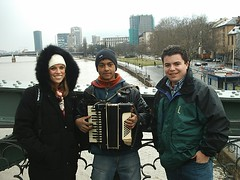 Kara and Joe with Accordian Boy on the Bridge (dsjeffries) Tags: travel birds river germany europe frankfurt main eu accordian koln europeanunion frankfurtammain berliner mainriver accordianplayer deutscheland frankfurtskyline lunioneuropeen
