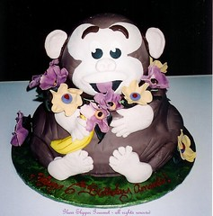 Luao Monkey (Glass Slipper Gourmet) Tags: banana fondant monkeycake luao animalthemedcakes