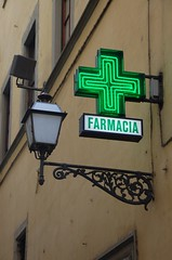 Farmacia - Firenze (wunnspeed) Tags: street city travel italy signs architecture florence europe neon italia tuscany firenze toscana