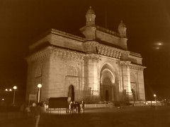 Gateway of India - by zeeble