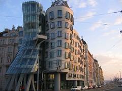 Dancing building (Tancici Dum) (ImageLink) Tags: color reflection strange architecture nice fantastic colorful europe czech prague top great praha czechrepublic hi dancingbuilding czechia tancicidum imagelink