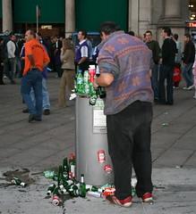 piazza duomo (soyluphoto) Tags: italy trash milano supporters footballfans tifosi