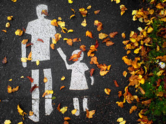 Autumn walk (Sameli) Tags: road flowers autumn red wallpaper white stencils man cold flower color colour green fall nature topf25 colors girl leaves silhouette yellow suomi finland walking children photo leaf helsinki stencil paint colours child wind walk painted father silhouettes ground september chilly roads grounds k800i k800 kakadoo