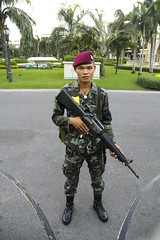 special forces (electricnerve) Tags: army weird crazy nikon d70 bangkok military machinegun commando thialand coup specialforces governmenthouse 19september2006