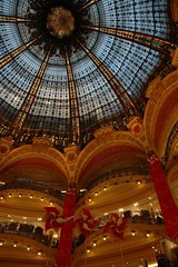 Inside Galeries Lafayette in Paris (kelpatate) Tags: from trip paris glass last during this was is back high opera galeries lafayette boulevard haussmann 33 taken next inside 1912 dates meters the coupole